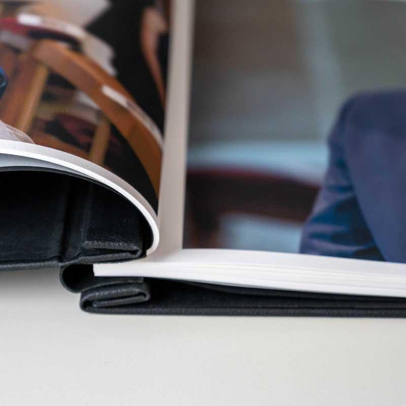 Hochzeitsbuch -Ledereinband - Buchrücken buch geöffnet Details